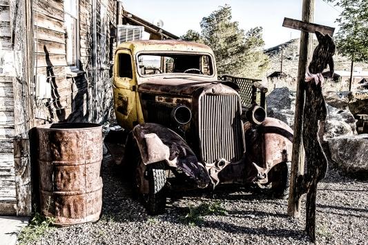 Desert Rust Bucket